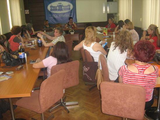 Udruzenje zena Pescanik - Žene i mediji