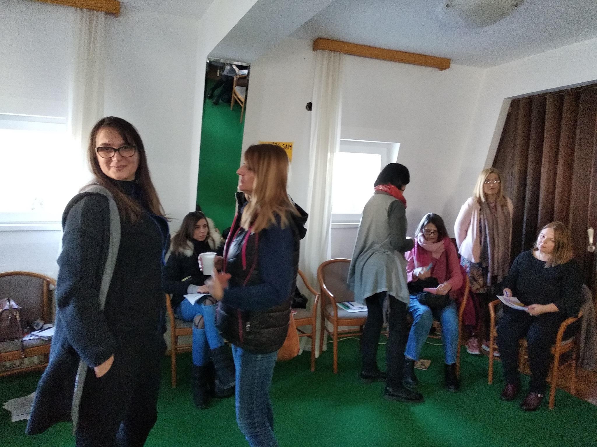 Udruzenje zena Pescanik - Feministički pristup traumi seksualnog nasilja i briga o sebi