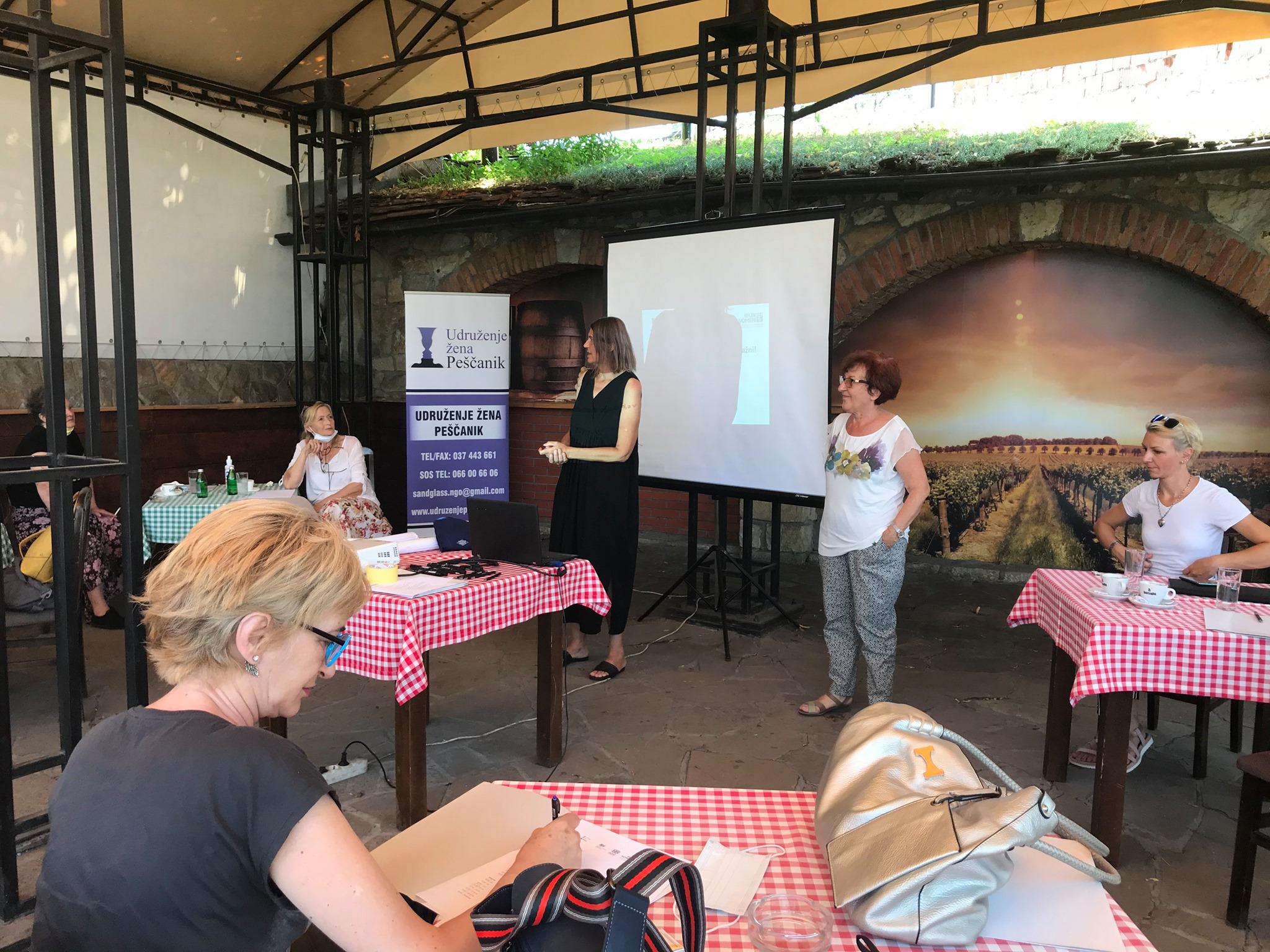 """Udruzenje zena Pescanik - Trening o ekonomiji nege u kviru projekta """"Poslovi staranja: Neplaćeni, a važni"""""""