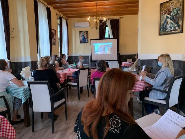 """Udruzenje zena Pescanik - Trenin o metodologiji istraživanja na projektu """"Poslovi staranja – Neplaćeni, a važni"""""""